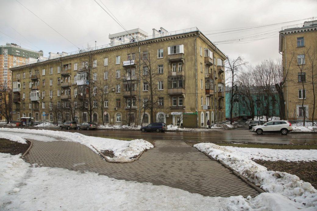 Главный архитектор Москвы Сергей Кузнецов считает пятиэтажки морально устаревшими и не подлежащими капремонту. Если верить